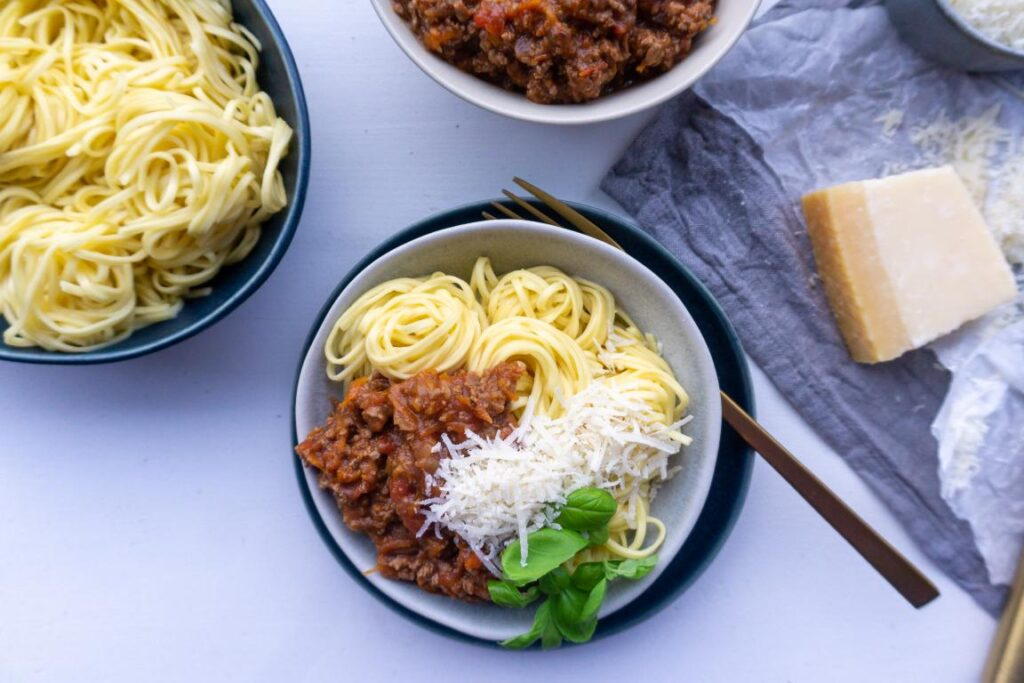 Spaghetti med kødsovs