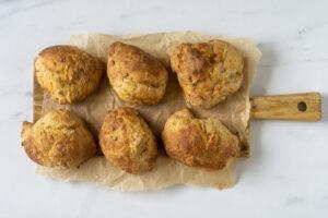 Koldhævede gulerodsboller