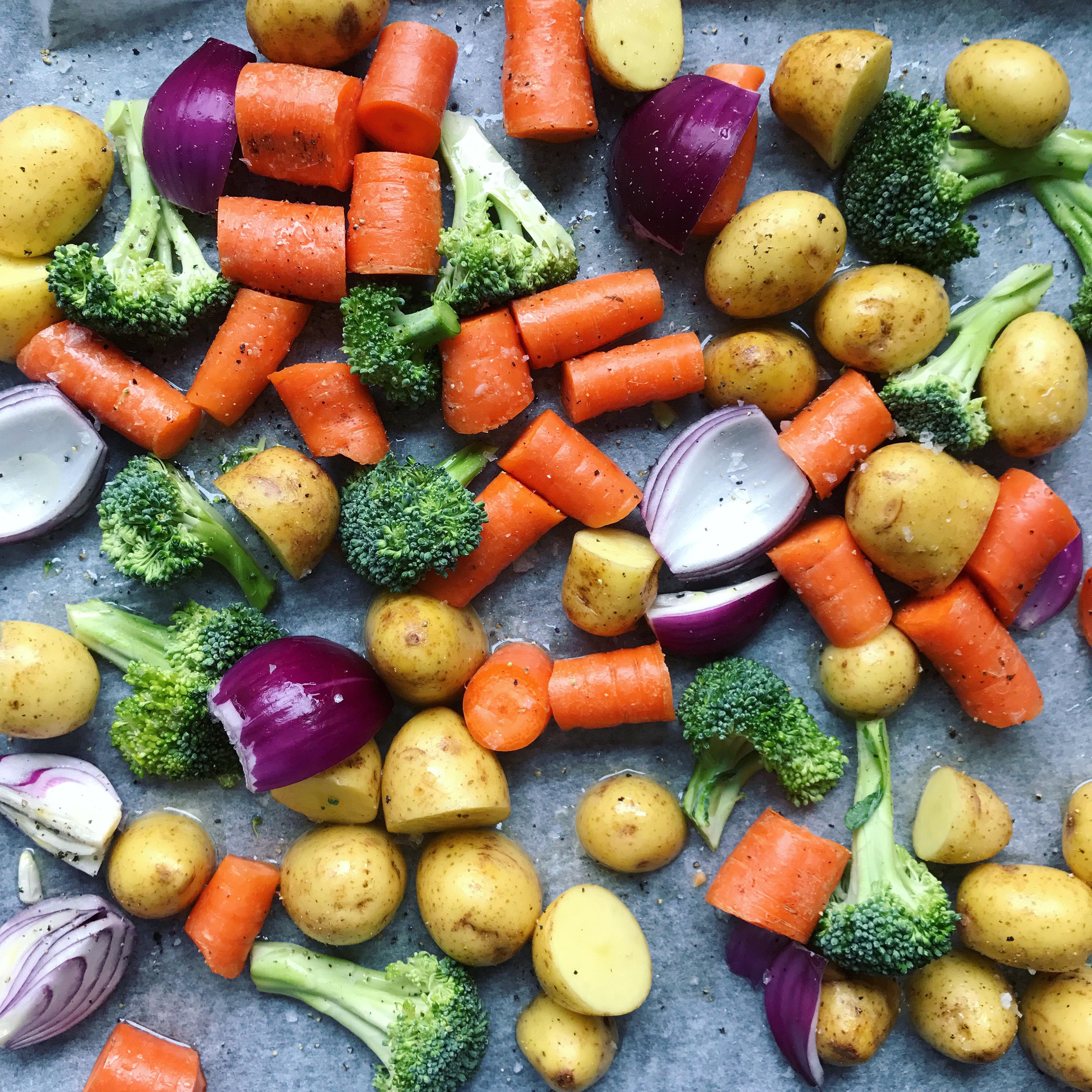 Ovnbagte Kartofler Og Grøntsager Tilbehør Til Aftensmaden