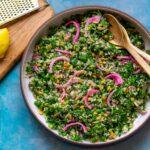 Quinoasalat med grønkål