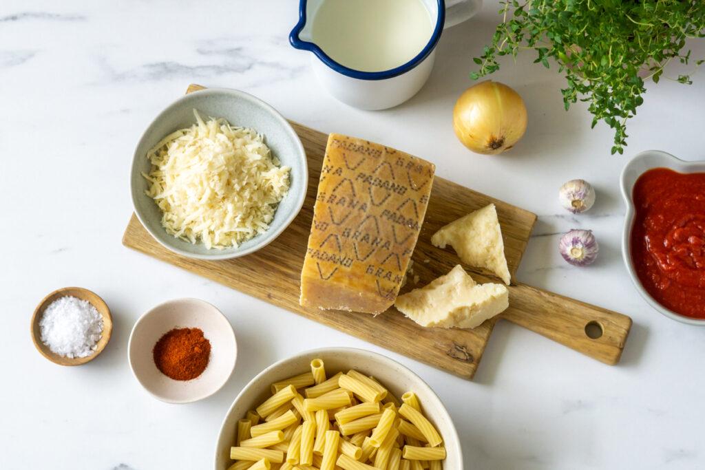 Pasta med tomatflødesauce og flanksteak